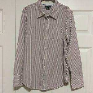 NWOT Tommy Hilfiger shirt